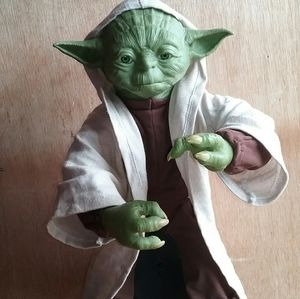 STAR WARS YODA WALKS ,TALKS INTERACTIVE